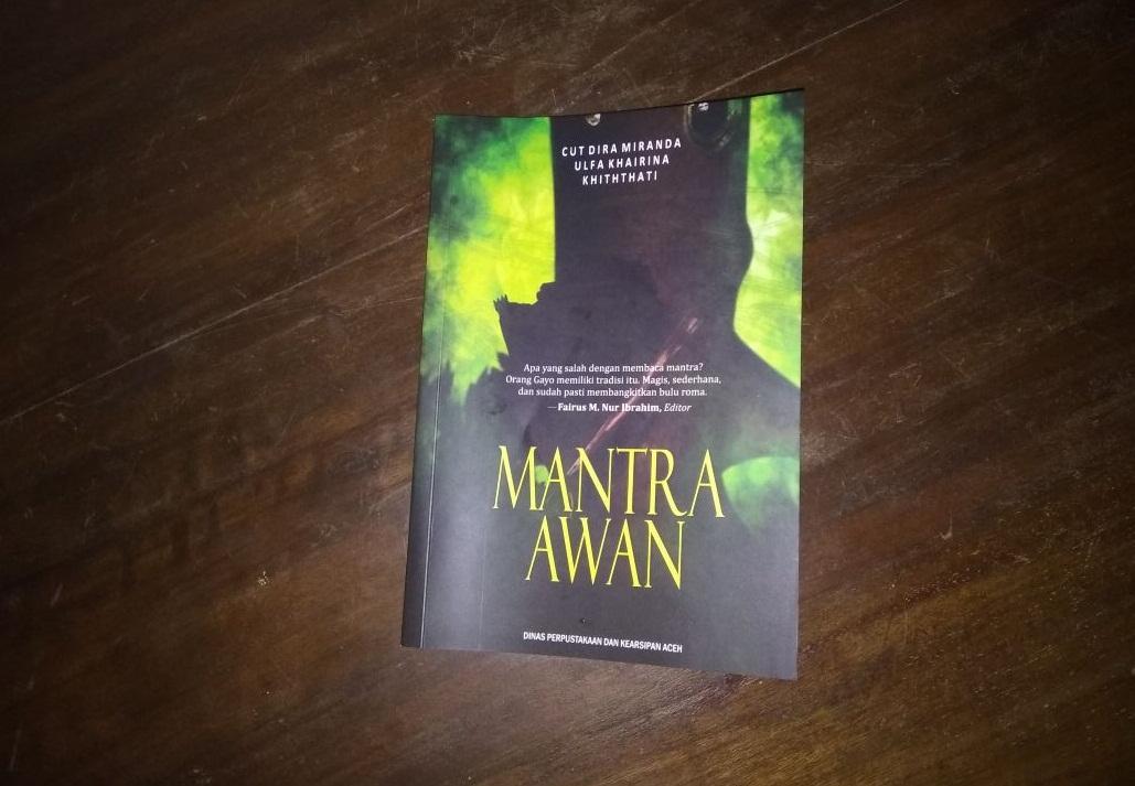 Mantra Awan; Apa yang Salah dengan Membaca Mantra? | Bandar Publishing